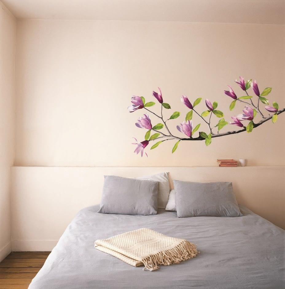 Sticker de perete floral Ramura de magnolie, un sticker foarte apreciat de clientii Deco-perete.ro