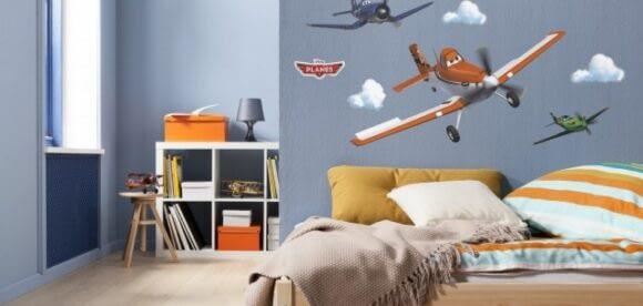 De ce să decorezi camera piticului cu stickere copii?