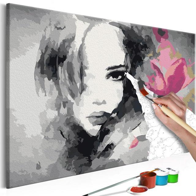 Pictura pe numere pentru adulti, portret femeie modern in gri si roz